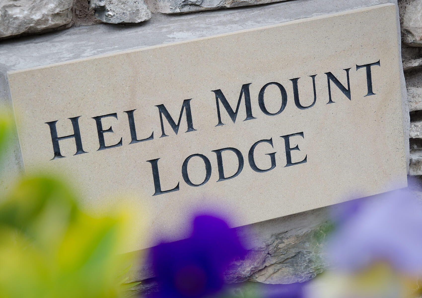 Helm Mount Lodge